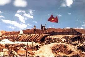 Phân tích bức tranh Việt Bắc trong hai đoạn thơ trên để làm nổi bật cảm xúc thơ Tố Hữu