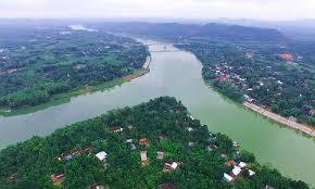 Phân tích sông hương qua hai đoạn trích sau